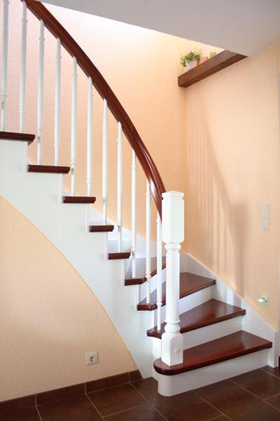 Klassische Treppen treppenvariationen mit weiß seifert treppenbau